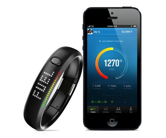 Nike-FuelBand-with-iPhone